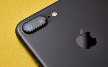 iPhone 7 Plus close-up
